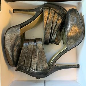 Pewter Guess Heels